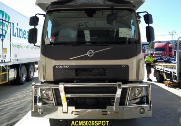 Acm5039spot Volvo Fe 14+ Bullbar 02
