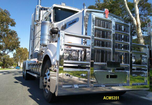 Acm5351 Kenworth T904 T908 T909 5 Post 6a Bullbar 03 Web